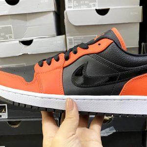 Nike AIR JORDAN 1 LOW SE black orange